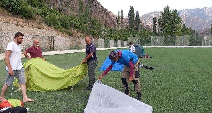 Yaz aylarının gelmesiyle birlikte Kaçkar Dağları'na zirve tırmanışları başlıyor