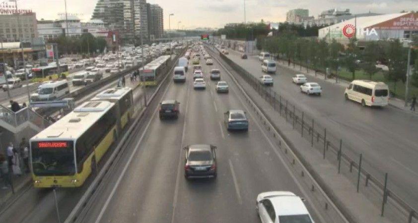 İstanbul'da trafik yoğunluğu, yüzde 71 seviyesine ulaştı