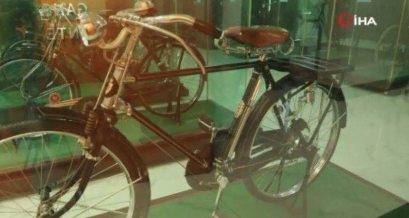 Çinli koleksiyoner açtığı müzede bin 300'den fazla bisiklet sergiliyor
