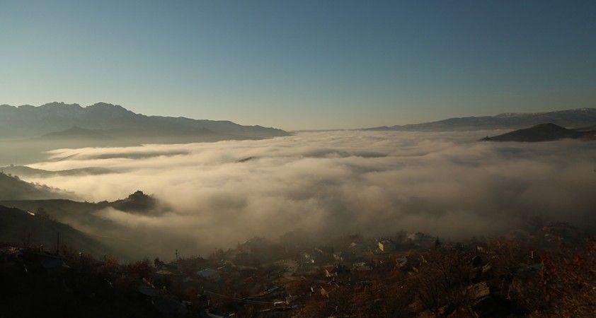 Tunceli'de sis denizi, şehir kayboldu