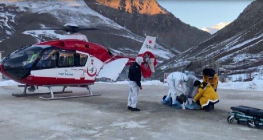 Kalp krizi geçiren kadının imdadına helikopter yetişti