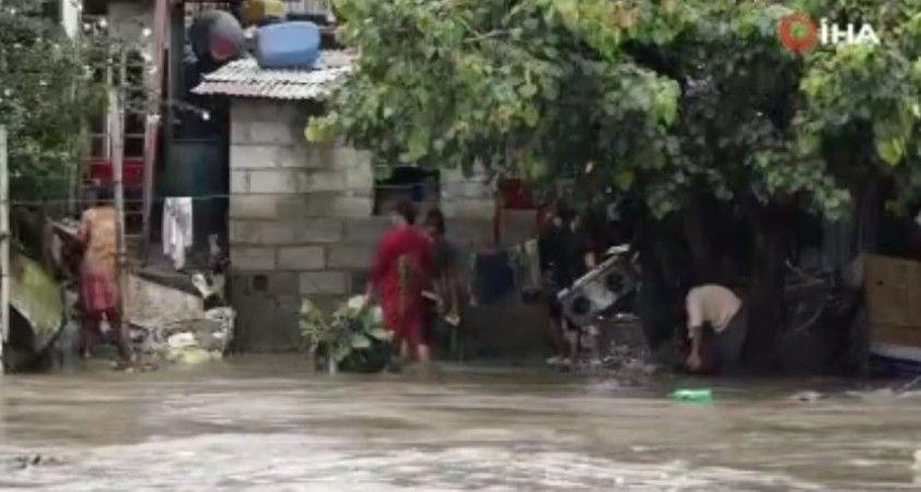 Nepal'de şiddetli yağış sele neden oldu