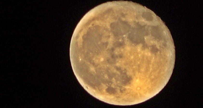 Yüksekova'da 'Süper Ay' kendine hayran bıraktı