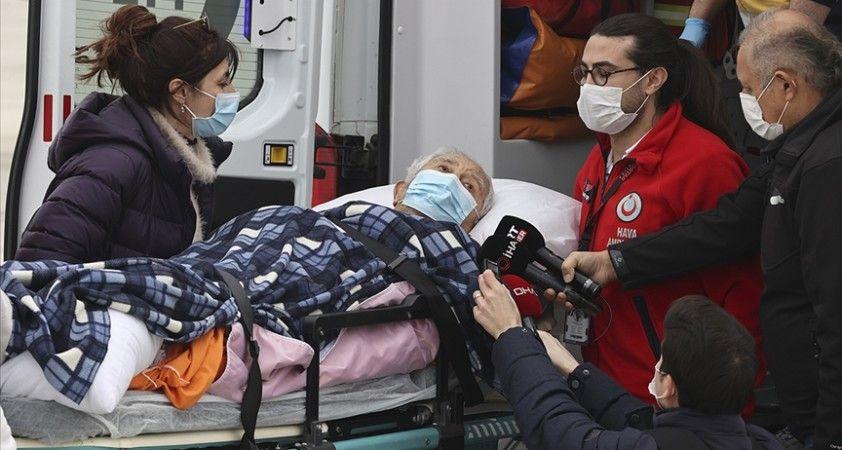 ABD'de yaşayan Türk halk bilimci İlhan Başgöz ambulans uçakla Türkiye'ye getirildi