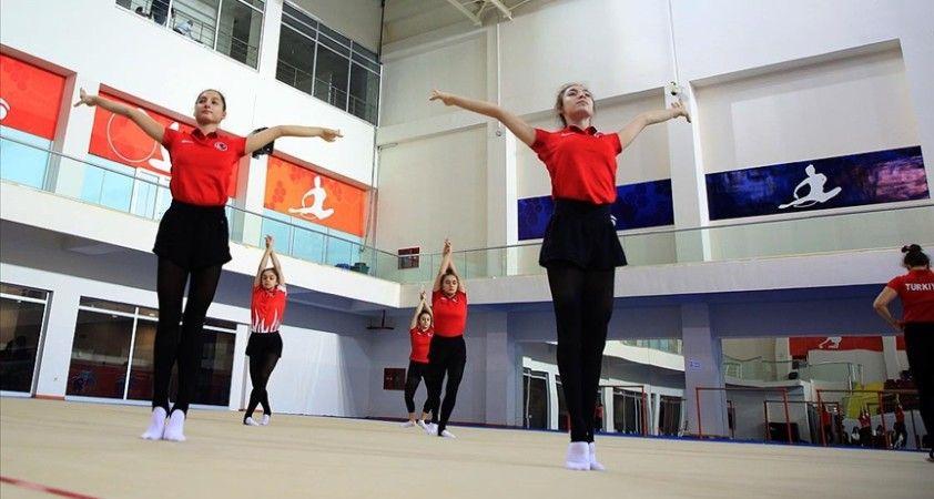 Kadın Ritmik Cimnastik Grup Milli Takımı Mersin'de kampa girdi