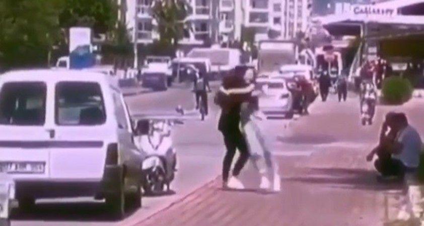 42 gündür görüşmeyen 2 kız arkadaşın özlemi duygulandırdı