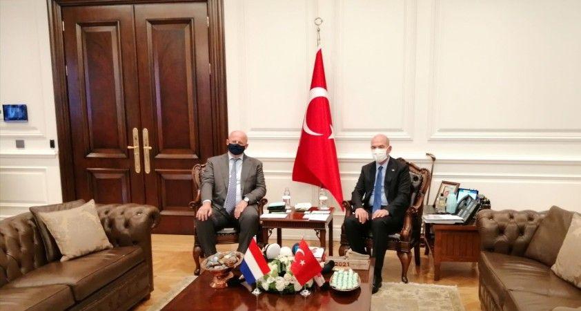 İçişleri Bakanı Soylu, Hollanda Adalet ve Güvenlik Bakanı Grapperhaus ile bir araya geldi