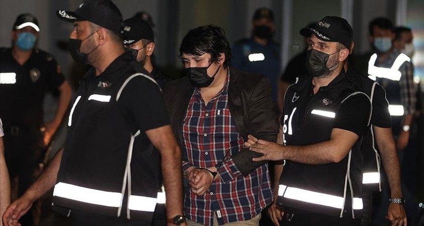 'Çiftlik Bank' kurucusu Mehmet Aydın Türkiye'ye getirildi ve gözaltına alındı