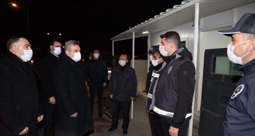 Başkan Beyazgül yeni yıla polisler ve basın mensuplarıyla girdi