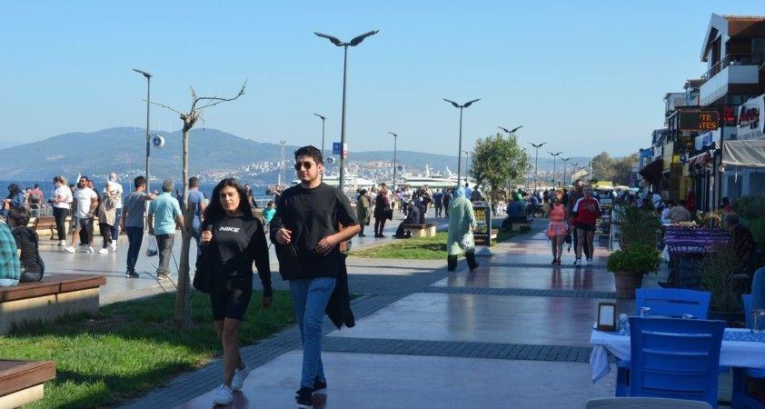 Fırtına sonrası Mudanya sahili doldu taştı