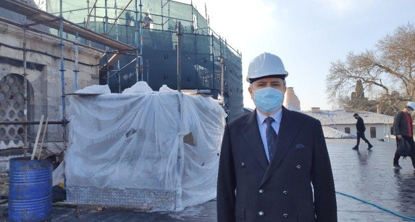 Fatih Köşkü, bin 500 tonluk beton yükünden kurtarılıyor
