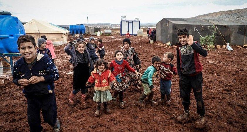 İdlib'de sağanak, yine savaş mağdurlarının sığındığı kampları vurdu