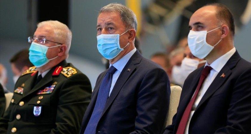 Milli Savunma Bakanı Akar: Savunma sanayisindeki kazanımların Devrim akıbeti gibi olmasına asla müsaade etmeyeceğiz