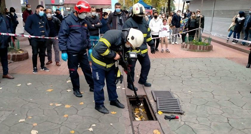 Merak konusu olan sokak köpeği itfaiye ekiplerini de harekete geçirdi