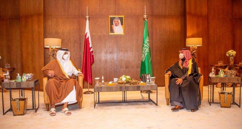 Suudi Arabistan Veliaht Prensi Selman, Katar Emiri Al Sani ile görüştü