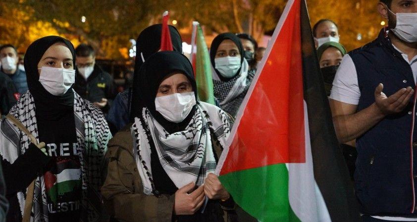 Yüzlerce aracın düzenlediği konvoyla İsrail protesto edildi