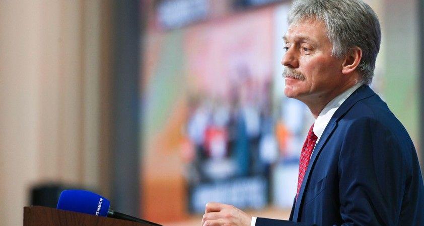 Peskov: Gine'deki Rus şirketlerin çıkarlarının zarar görmemesini umuyoruz