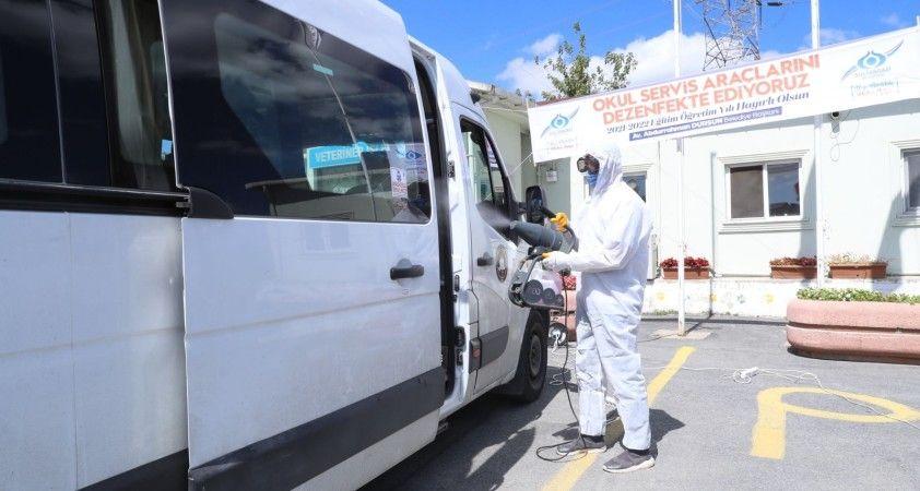 Sultangazi Belediyesi 700 okul servis aracını dezenfekte etti