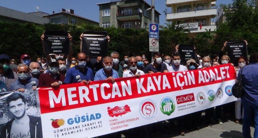 Yüzlerce seveni bıçaklanarak öldürülen Mertcan Kaya için toplandı