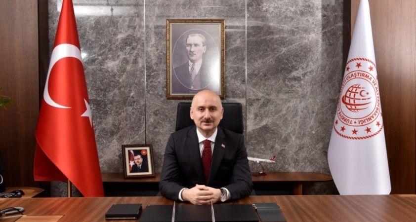 """Bakan Karaismailoğlu, """"Platin Global 100 Ödülleri Dijitalleşme Ödül Töreni""""nde konuştu"""