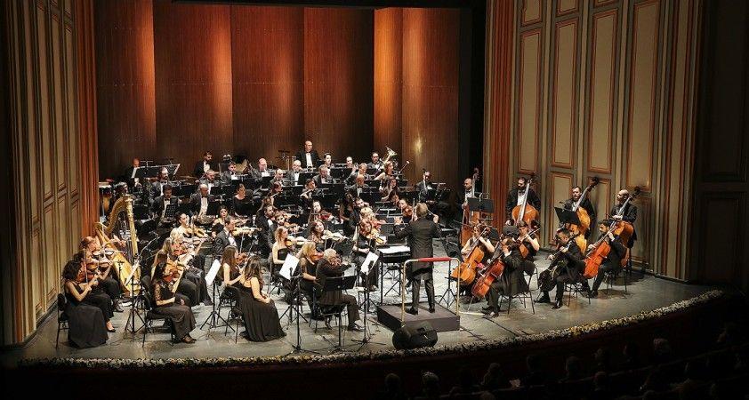 Opera sahnesinde dünya şarkıları yankılanacak