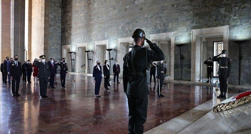 ABD Dışişleri Bakan Yardımcısı Sherman, Anıtkabir'i ziyaret etti