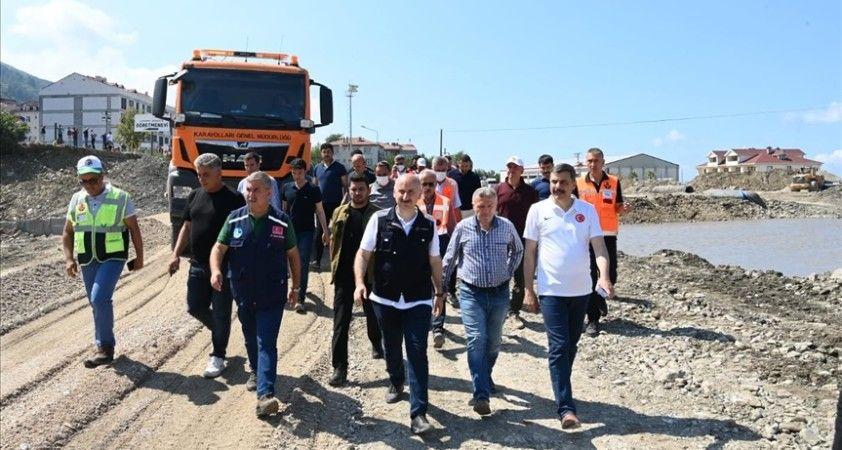 Bakan Karaismailoğlu: Sel felaketinin ardından tüm yol kesimindeki hasarları tamamen giderdik