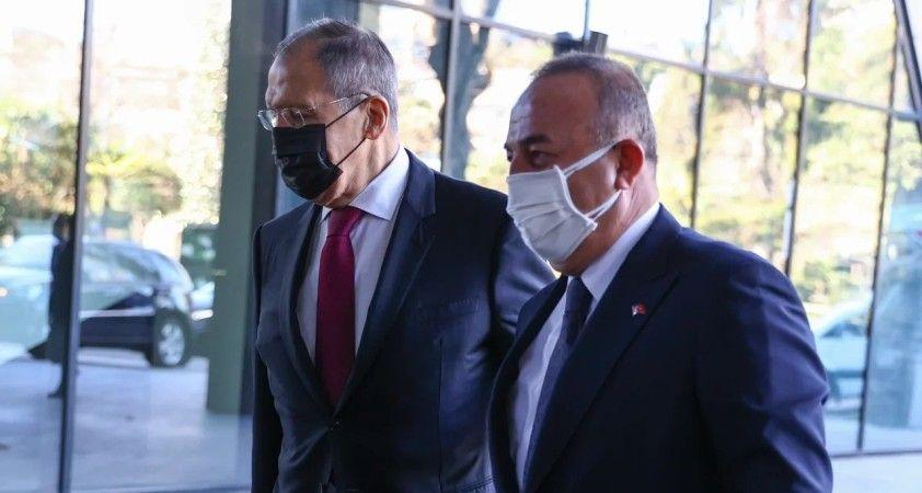 Bakan Çavuşoğlu ve Rus mevkidaşı Lavrov Soçi'de görüştü