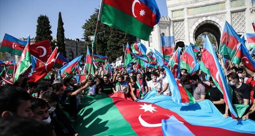 Türkiye'deki Azerbaycanlılar'dan ülkelerine destek