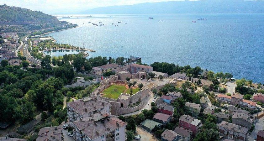 Körfez'in 1400 yıllık kalesi turizme kazandırılıyor