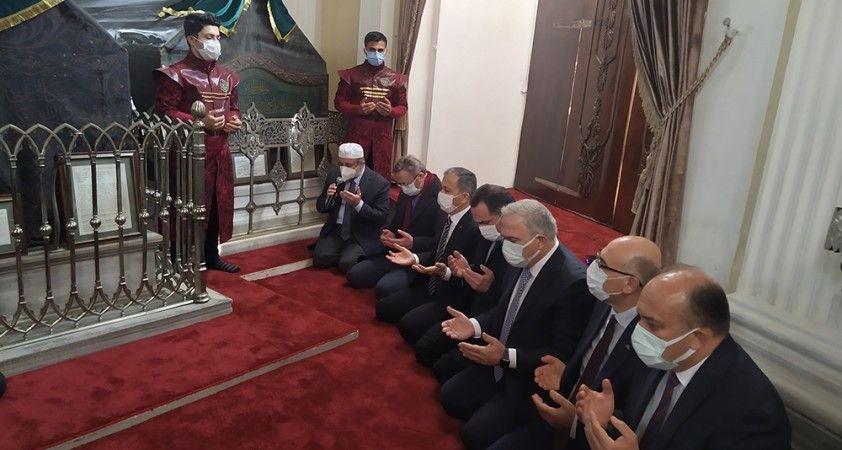 Sultan 2. Abdülhamit Han vefatının 103. yılında kabri başında anıldı