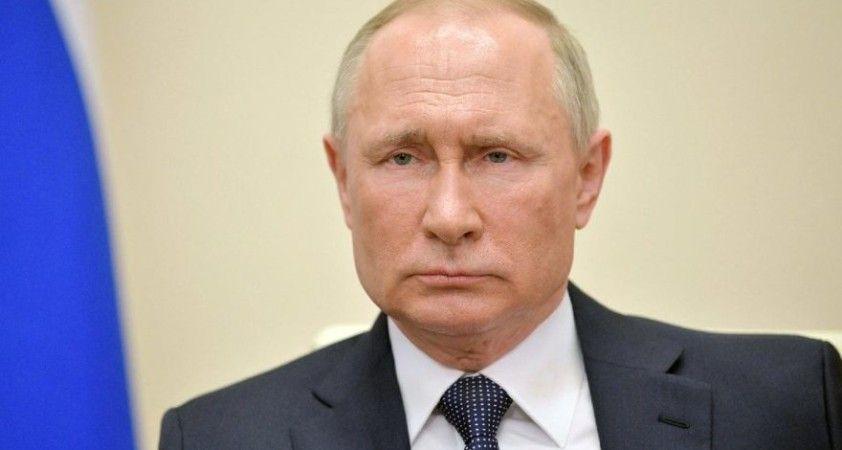 Putin, devlet başkanının iki dönem daha adaylığını koymasına yönelik yasayı imzaladı