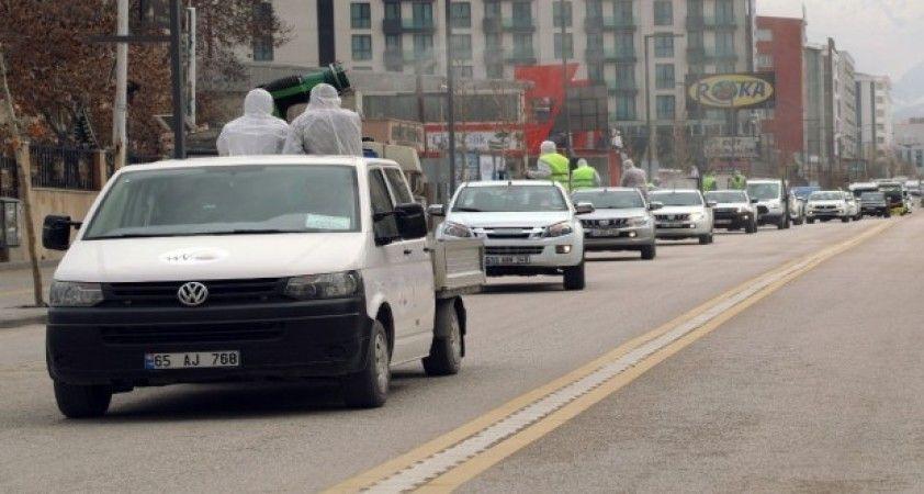 Van Büyükşehir Belediyesinin dezenfekte filosu görevde