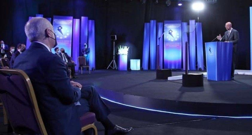 AB Konseyi Başkanı Michel, Batum'da Ukrayna, Moldova ve Gürcistan liderleri ile buluştu