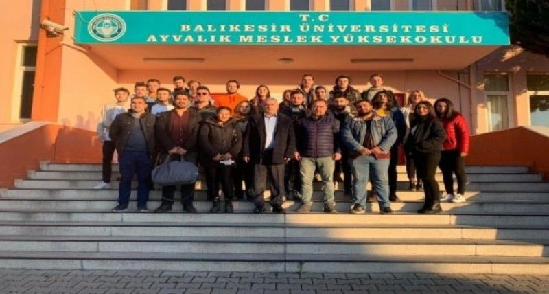 Ayvalık Meslek Yüksekokulu öğrencileri Travel Turkey- İzmir'de.