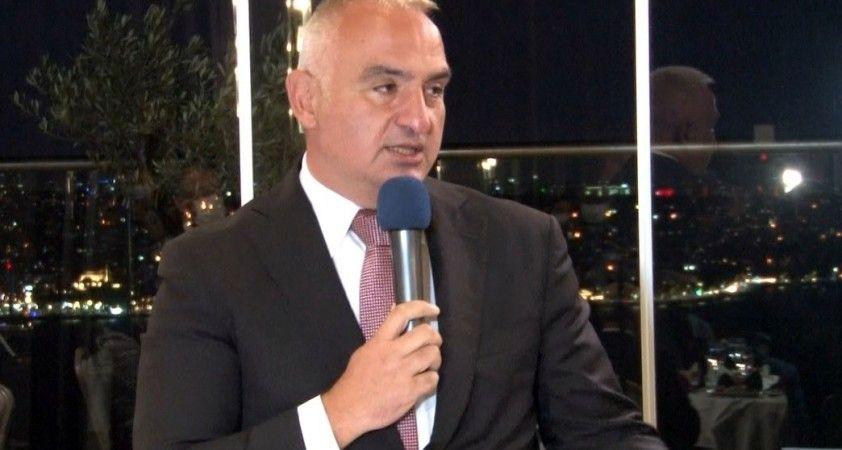 Kültür ve Turizm Bakanı Ersoy, turizm sektörü temsilcileriyle bir araya geldi
