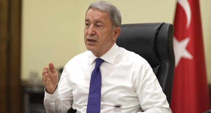 Milli Savunma Bakanı Akar'dan 'iltica başvuru merkezi' kurulacağı iddialarına yanıt: Mümkün değil