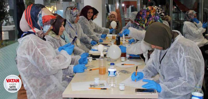 Bilim Merkezi'nde anne-babalar eğitim alıyorlar