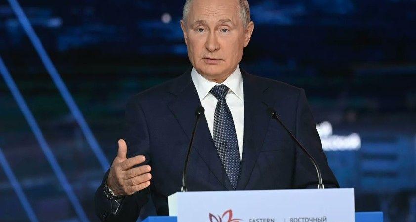Putin: Olimpiyat sporcularımızın performansları Rusya'nın bir spor gücü olduğunu kanıtladı