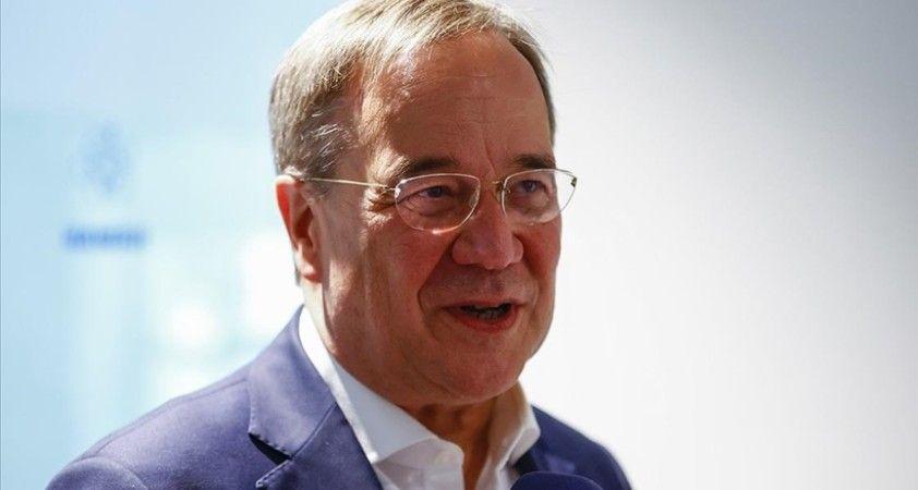 Almanya'da CDU Genel Başkanı, FDP ve Yeşillere hükümet kurma teklifini yineledi