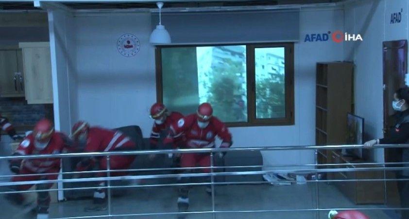 Ankara'da gerçekleştirilen deprem tatbikatı gerçeğini aratmadı