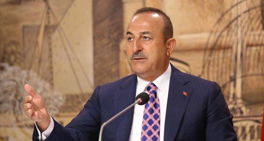 Çavuşoğlu, Bamako'da Türk vatandaşları ve iş adamları ile görüştü