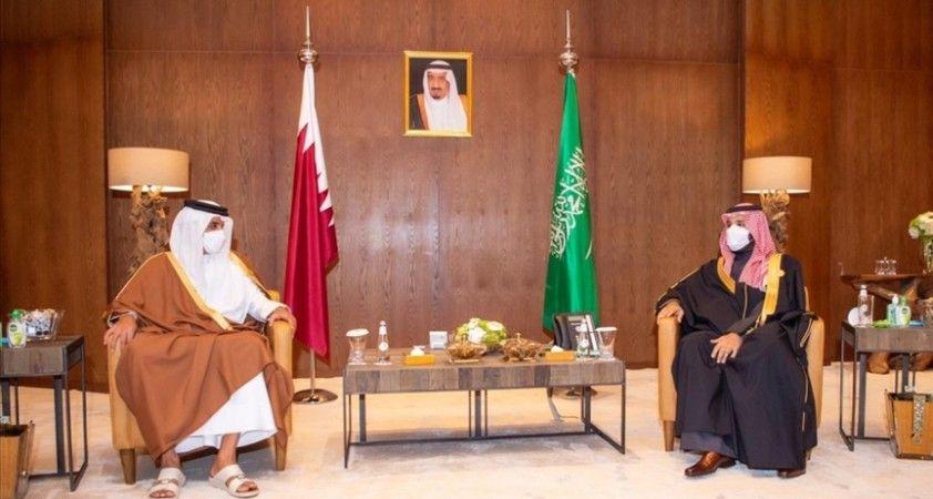 Suudi Arabistan Veliaht Prensi, Katar Emiri'yle 'Körfez çalışmalarını geliştirmenin yollarını' görüştü