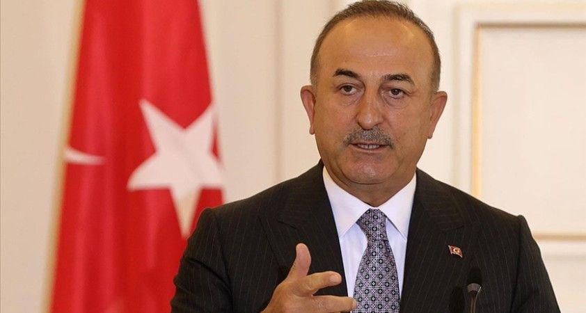 Dışişleri Bakanı Çavuşoğlu, uluslararası medyaya Türkiye'nin FETÖ ile mücadelesini anlattı