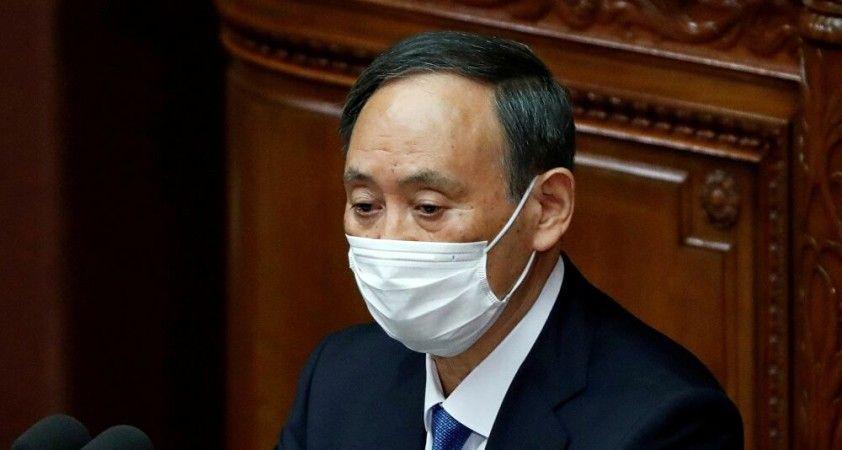 Japonya'da Başbakan Suga'nın oğluna soruşturma: 4 bürokrata hediye verdiği iddia edildi