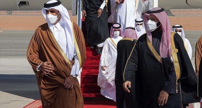 Katar ve Suudi Arabistan gazeteleri KİK Zirvesi'ni manşetlerine taşıdı