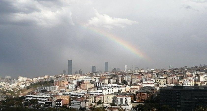 İstanbul'da yağış sonrası gök kuşağı sürprizi