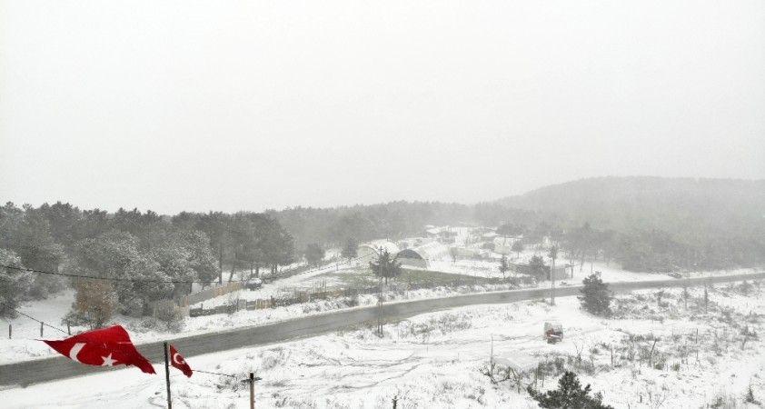 Kar yağışıyla beraber İstanbul beyaza büründü