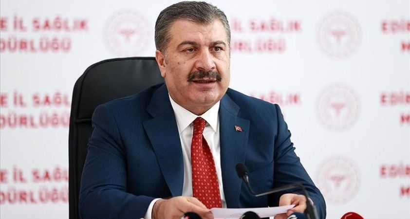 Sağlık Bakanı Koca: Sağlık çalışanlarımızın eşlerini aşılamaya başlıyoruz