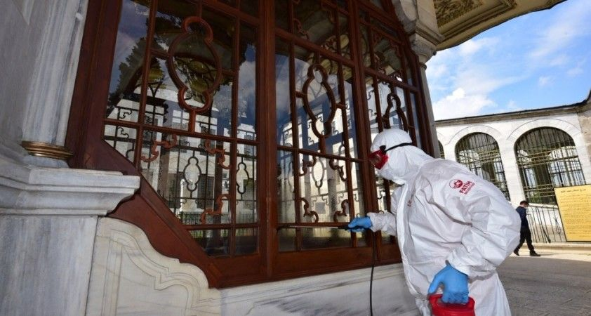 Fatih Sultan Mehmed'in türbesi dezenfekte edildi
